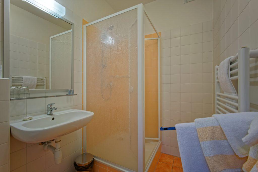 Koupelna pokoje DELUXE